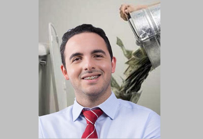Prefeito de Nova Tebas devolve mais de R$ 14 mil por ter usado recursos públicos para custear propaganda de cunho pessoal
