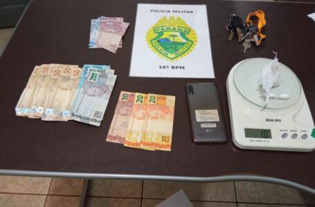 Preso mais um traficante em Manoel Ribas. Um veículo Gol, uma Moto, drogas e celular foram apreendidos