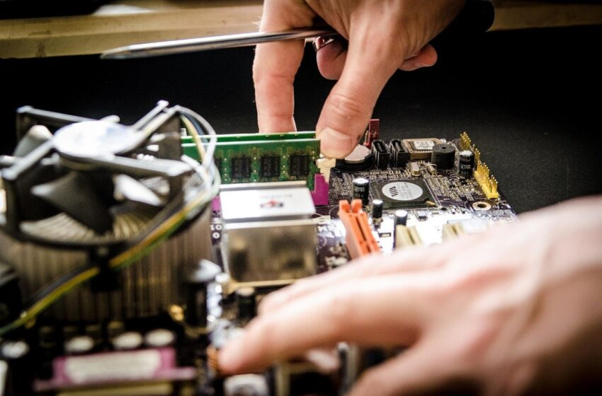 Empresa de tecnologia busca técnicos de TI em cidades do Oeste catarinense