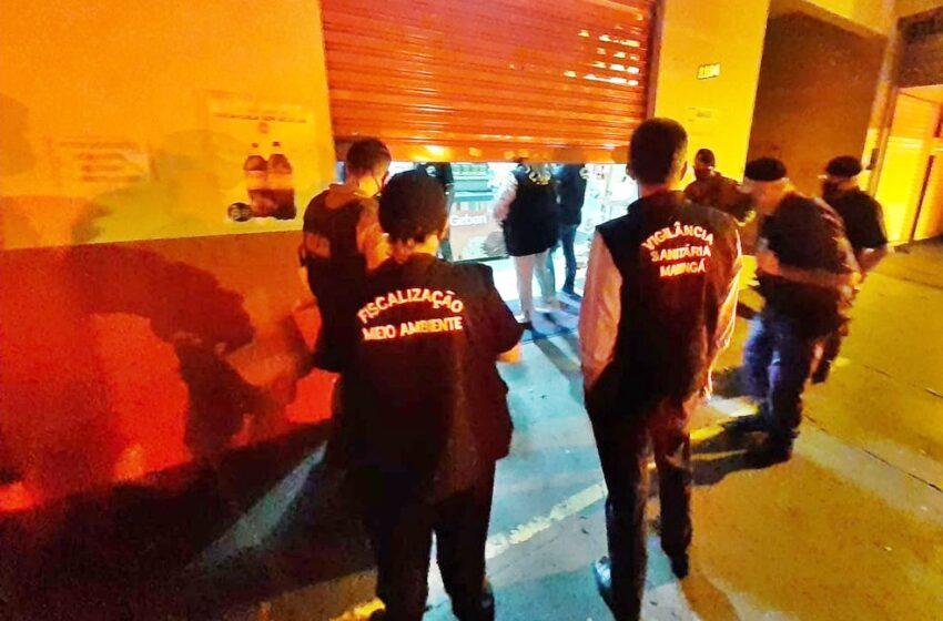 Comerciante é preso, e clientes são flagrados escondidos em banheiro durante fiscalização contra Covid-19 em Maringá