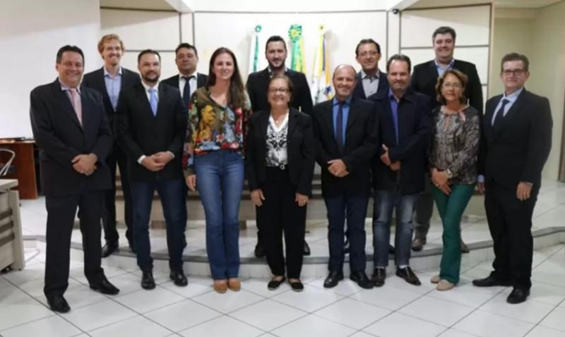 Vereadores de Francisco Beltrão abrem mão de 50% do salário por dois meses – Legislativo também adotou a medida