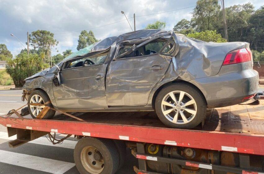 Suspeito de roubar carro é preso após acidente na PR-460, em Pitanga