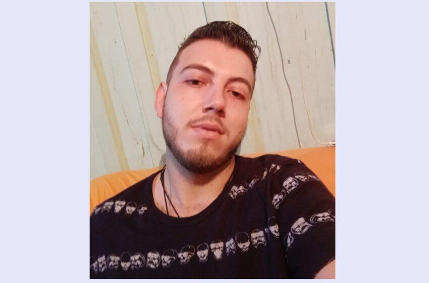 Senhora procura pelo filho de 23 anos desaparecido em Turvo