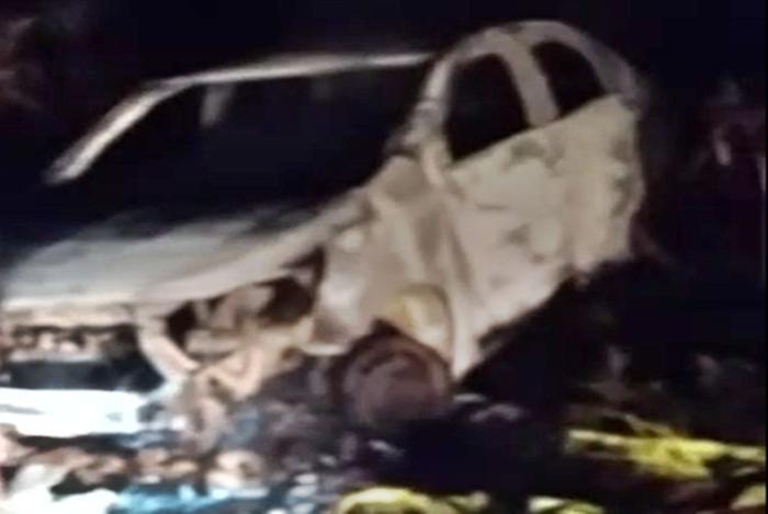 Tentativa de assalto a caminhoneiro no interior de Pitanga. O veículo usado no assalto foi incendiado
