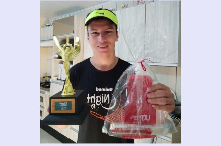 Julio Boaski de Manoel Ribas é campeão dos 5Km da Corrida UCP Pitanga