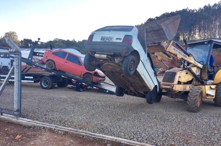 Preso em Pitanga – Condutor embriagado. O veículo rebaixado, sem estepe e macaco, foi recolhido ao pátio