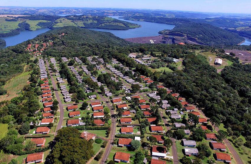 Reserva do Iguaçu: ex-prefeito deve restituir R$ 176 mil por terceirização indevida