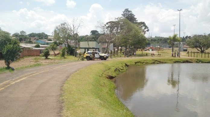 Preso após brigar com irmão, ameaçar e investir contra os policiais no Parque do Lago em Pitanga